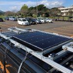 電気自動車に適した次世代太陽電池を開発しています。太陽電池から発電する電気エネルギーだけで運転することができたら、最もクリーンでエコな乗り物です!)